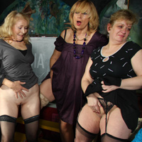 Hot Mature Moms